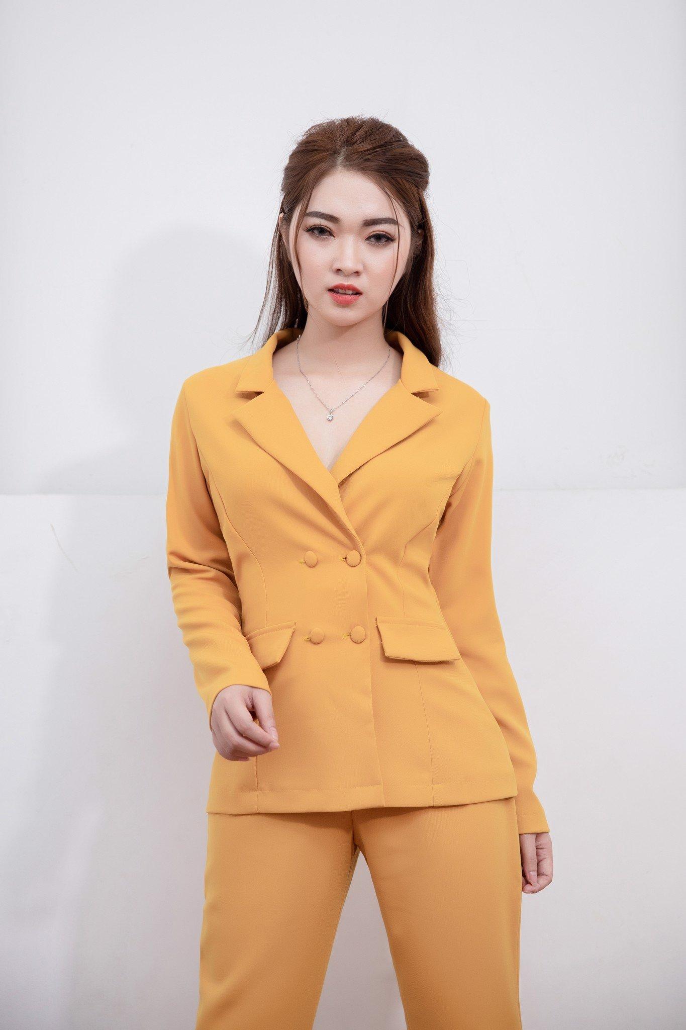 Bộ vest  Mia Selena quần ôm thiết kế sang trọng  (Vàng)