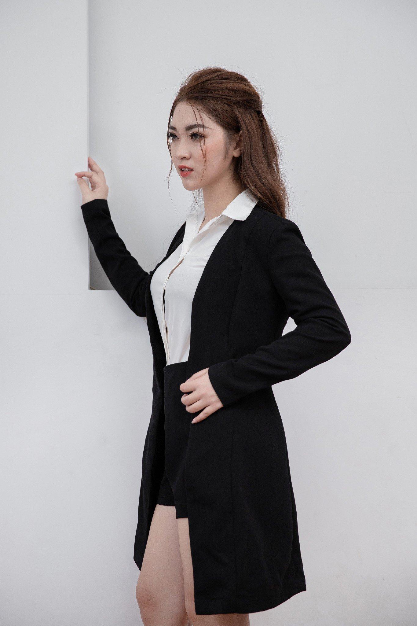 Bộ áo vest Mia Selena  form dài và quần (Đen)