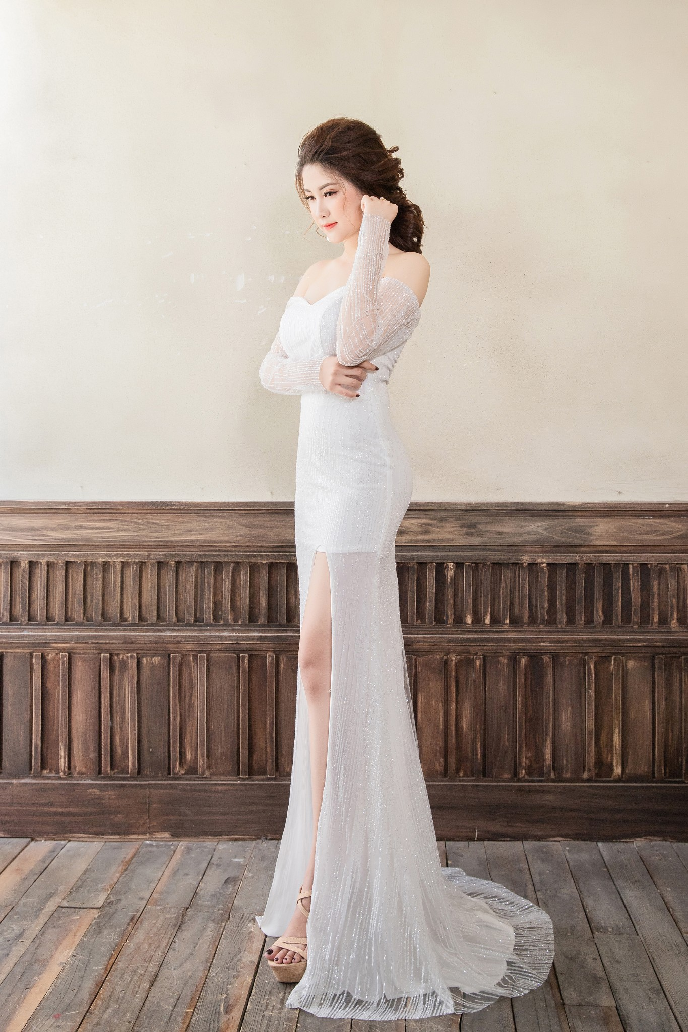 Đầm đuôi cá Mia Selena xẻ tà thiết kế trẻ trung tuyệt đẹp  (Trắng)