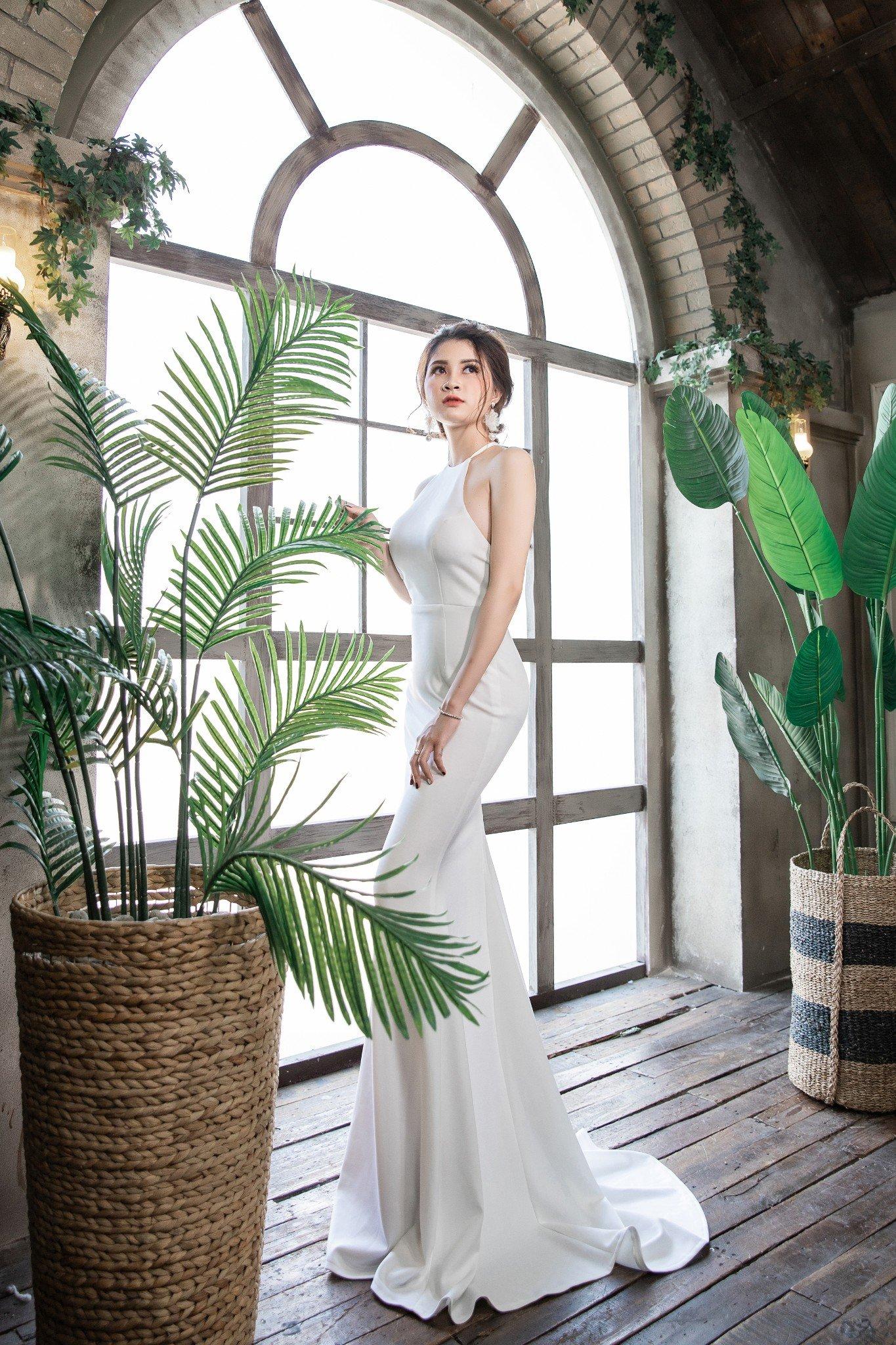Đầm dạ hội  Mia Selena cổ yếm thiết kế ôm body cực tôn dáng (Trắng)