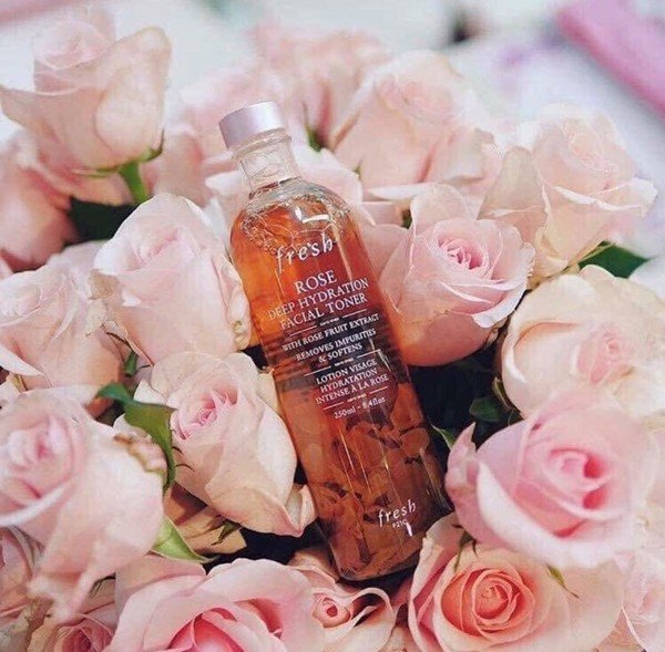Toner hoa hồng Fresh Rose Deep Hydration Facial Toner 250ml