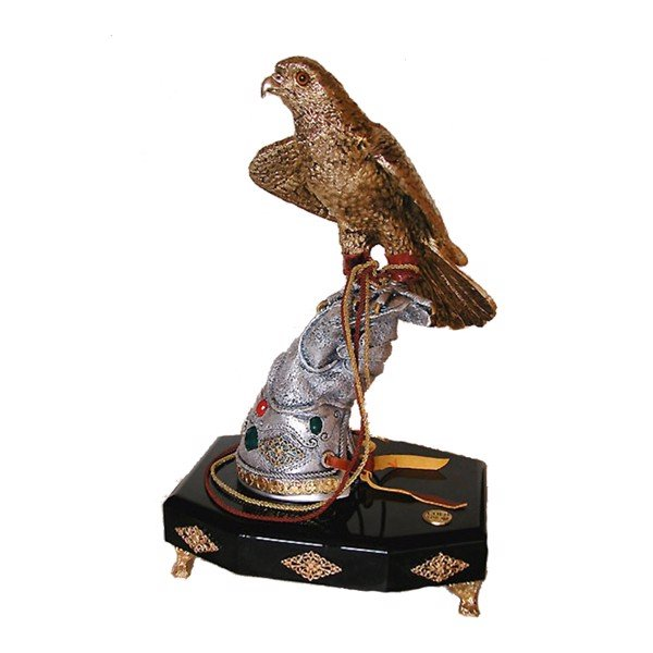 Tượng Golden Silver Falcon On Matt Silver Glove with Agate
