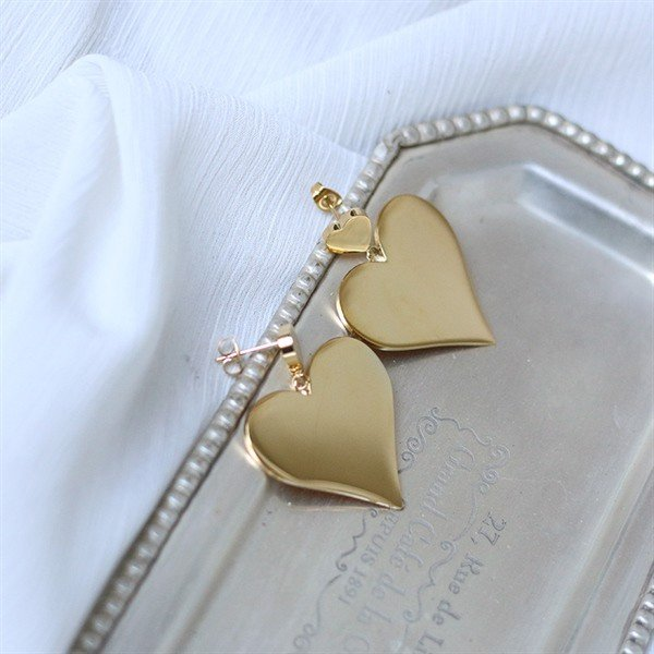 Golden Heart Earrings 01