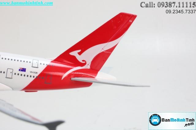 MAY-BAY-0MO-HINH-QANTAS-AIRWAYS-20CM
