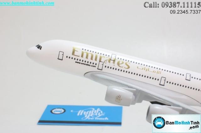 MO-HINH-MAY-BAY-AIRBUS-A380-EMIRATES-20CM