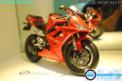 MÔ HÌNH  TRIUMPH DAYTONA 675 RED 1:10 WELLY