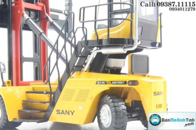 XE NÂNG CONTAINER 1:50 SANY