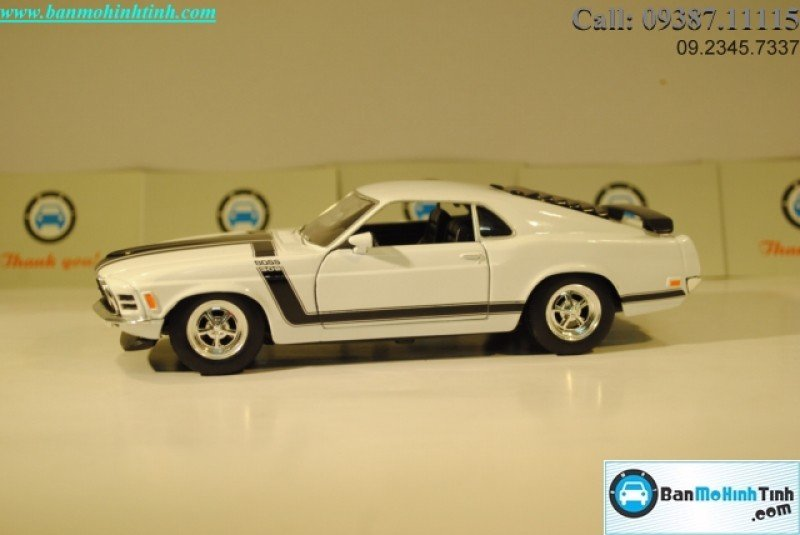 MÔ HÌNH 1970 FORD MUSTANG BOSS 302 WHITE 1:24 WELLY