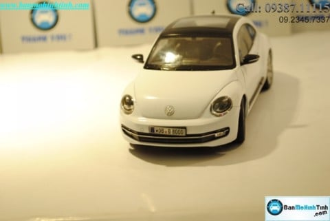 XE Mô hình xe ô tô XE Mô hình xe ô tô TRƯNG BÀY VOLKSWAGEN NEW BEETLE WHITE 1:24 WELLY