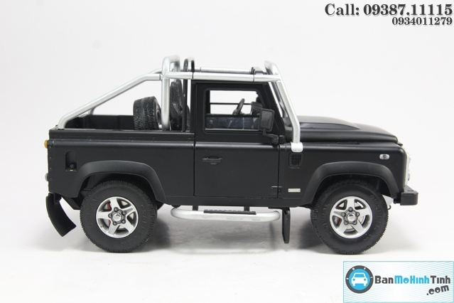 XE MO HINH LAND ROVER DEFENDER 90 BLACK 1:18 DEALER