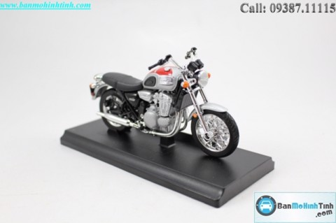 MÔ HÌNH TRIUMPH THUNDERBIRD 2002 RED 1:18 WELLY