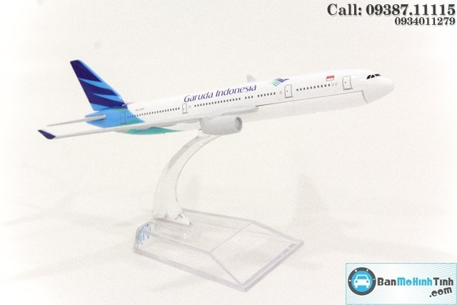 MO HINH MAY BAY 16 CM GARUDA INDONESIA