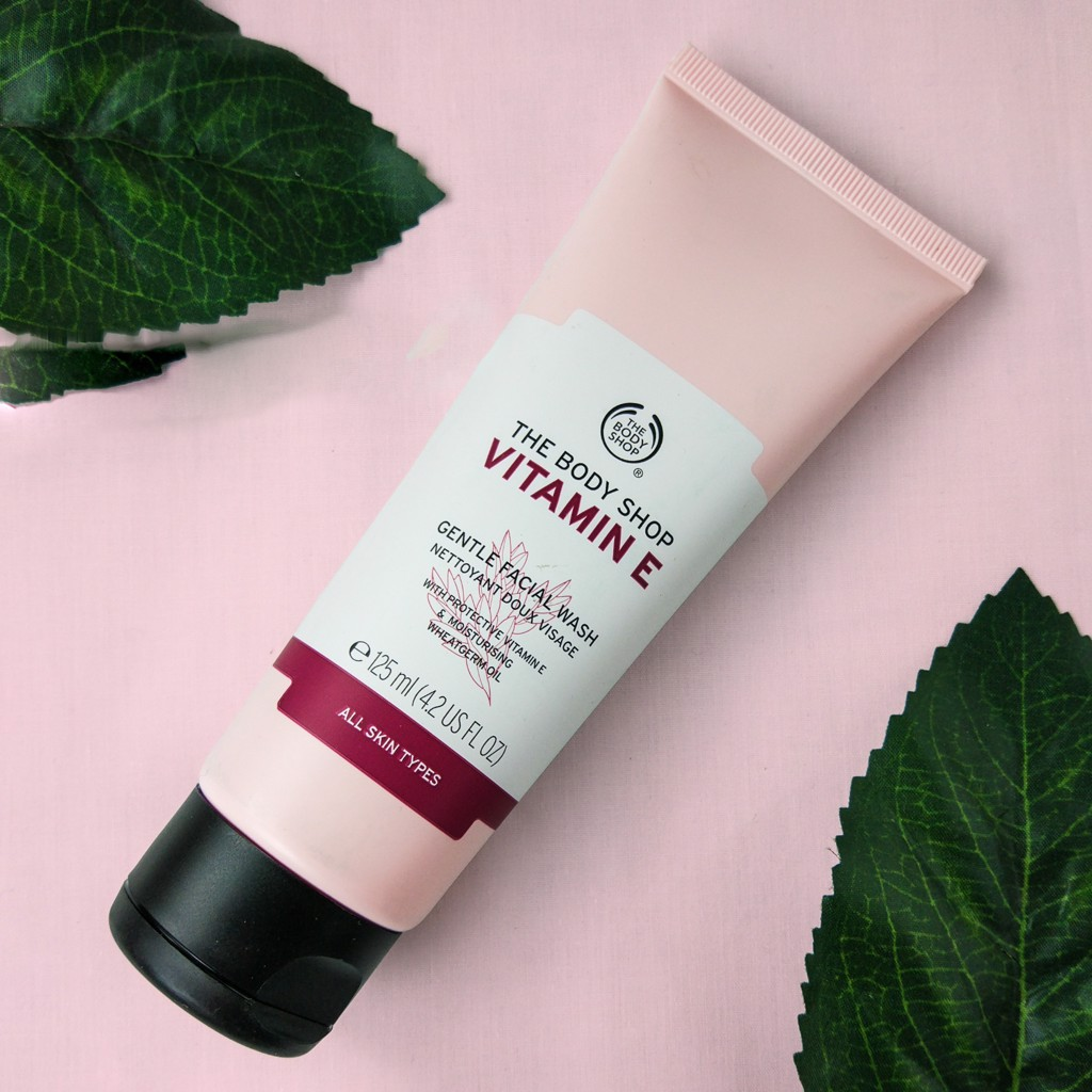The Body Shop- Sữa rửa mặt Vitamin E 125ml