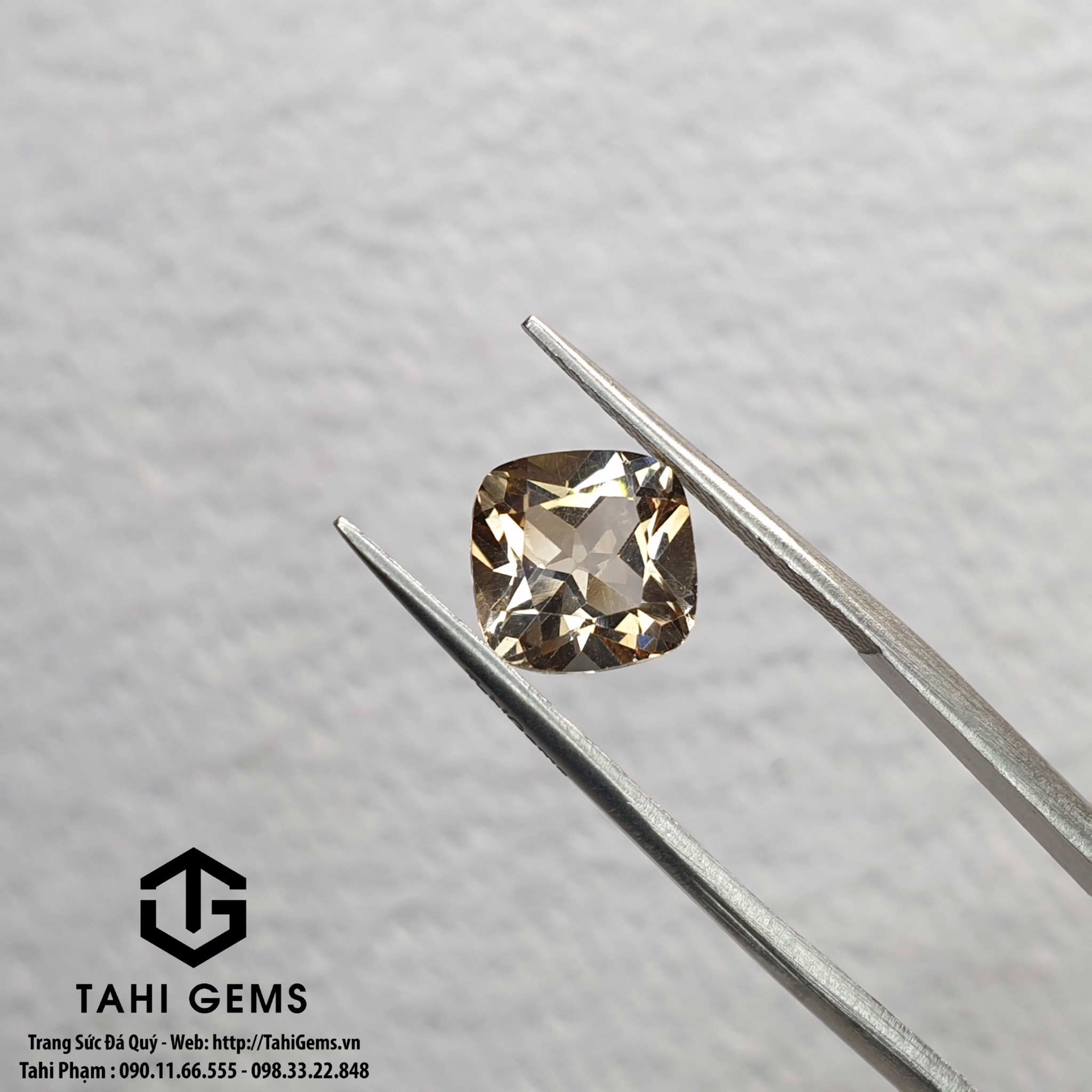 TAHI 6926 NATURAL ROYAL TOPAZ H5 T2