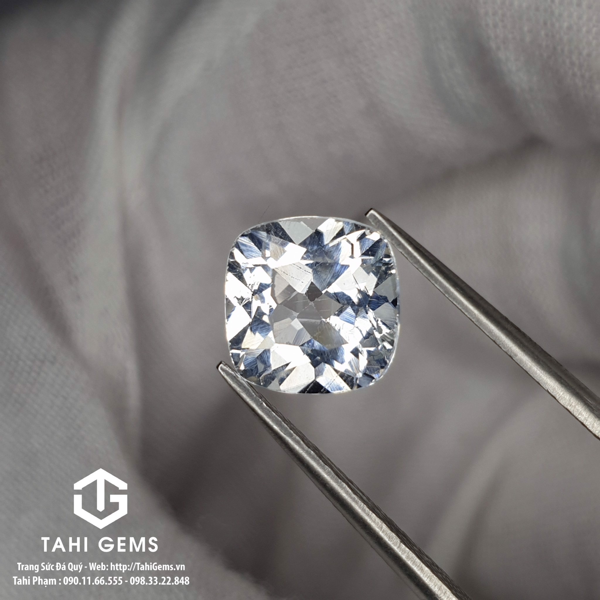 TAHI 8805 NATURAL WHITE TOPAZ GEMSTONES