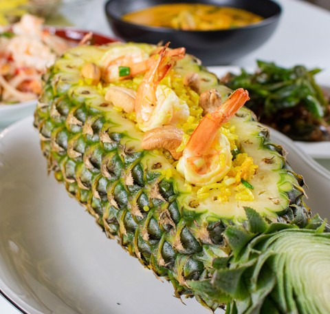 Khao Pad Sapparod/ Fried rice with pineapple