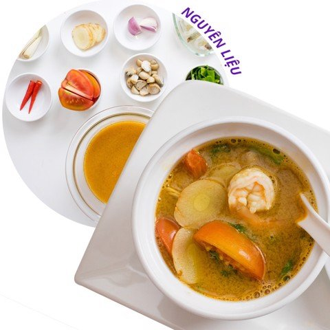 Tom Yum/Sweet and sour soup with prawn / seafood