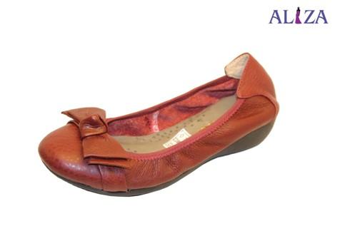 Giày bệt chun chất liệu da bò màu vàng bò