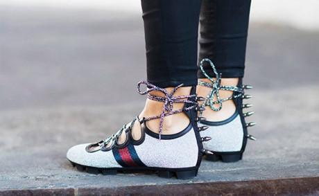 """Những mẫu giày Xuân Hè đang """"nhảy nhót"""" trên phố"""