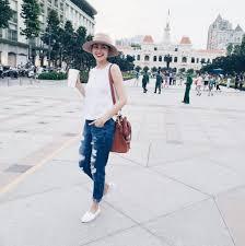 """Chán cao gót, Hà Tăng """"kết thân"""" với giày lười bình dân - 3"""