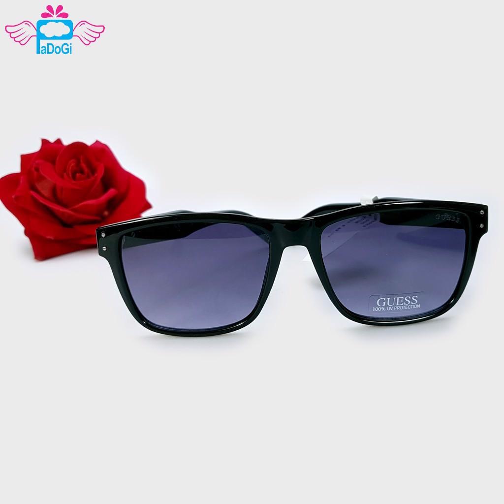 Mắt kính thể hiện thời trang của người dùng