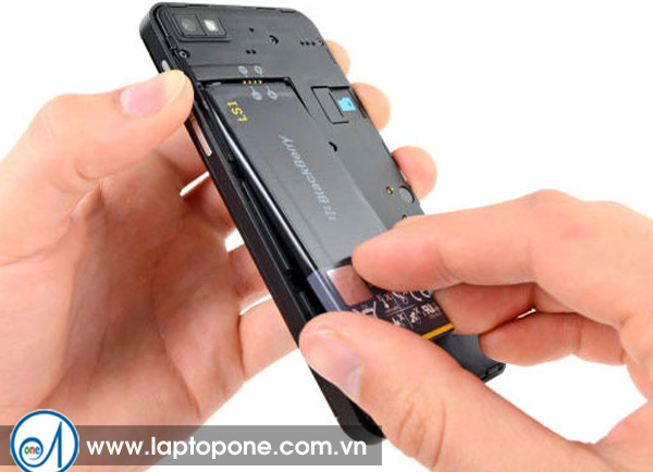 Thay pin điện thoại Blackberry