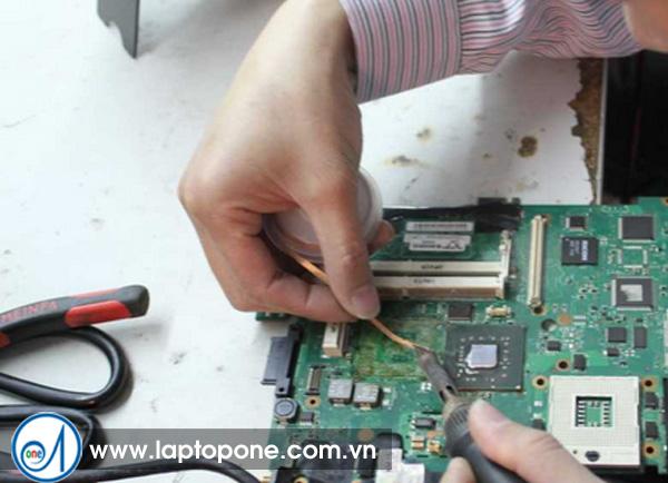 Sửa laptop dell 3400 1458 quận 5