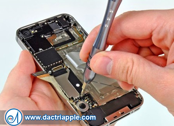 Thay pin iPhone 4s quận 7