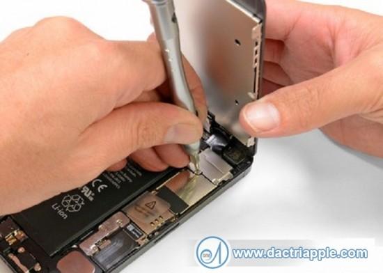 Thay pin iPhone 5S bảo hành lâu nhất