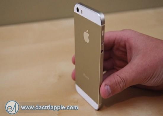 Thay vỏ cho iPhone 5s lấy liền