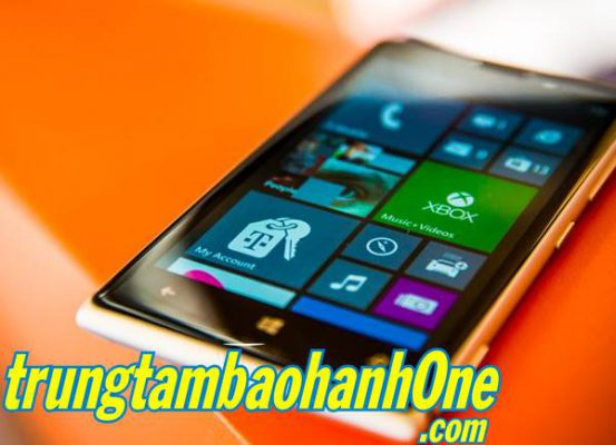 Thay mặt kính Nokia Lumia 620 giá rẻ