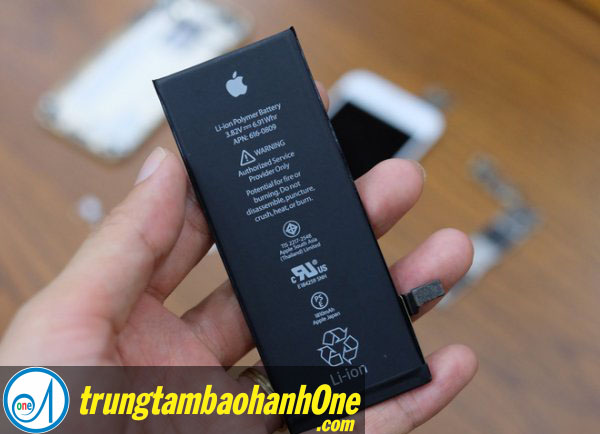 Thay pin iPhone 7 quận 6