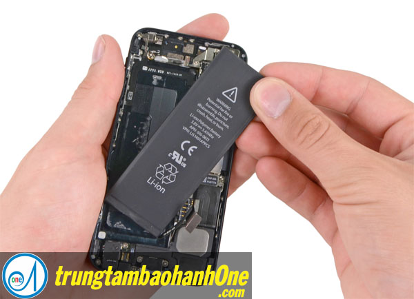 Thay pin iPhone 7 quận 1