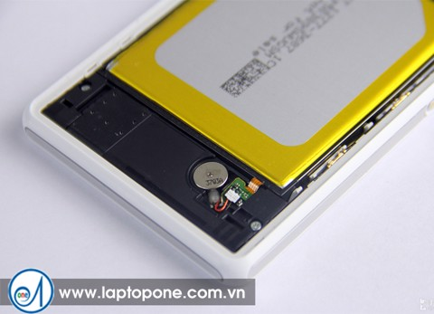 Thay vỏ Sony X Compact