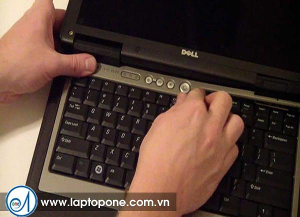 Sửa laptop Dell 3500 14 N4030 13R tại nhà