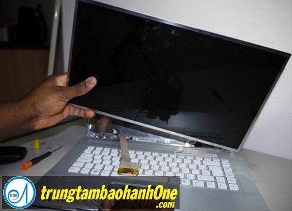 Thay màn hình Laptop SONY VAIO FIT 15E SVF 15213SN Bị Hở Keo Màn Hình