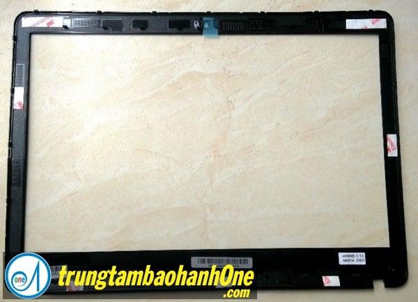 Thay màn hình Laptop SONY VAIO FIT SVF 1521CSG Bị Hở Bọt