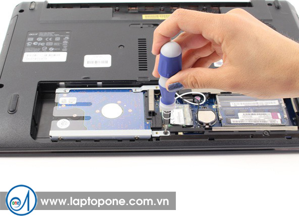 Thay ổ cứng laptop Acer quận 4