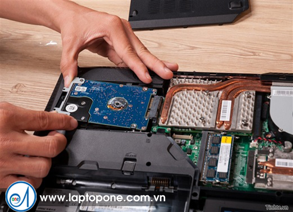 Thay ổ cứng laptop Toshiba L500 R700 quận 7