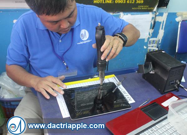 Thay pin iPad Air quận 8