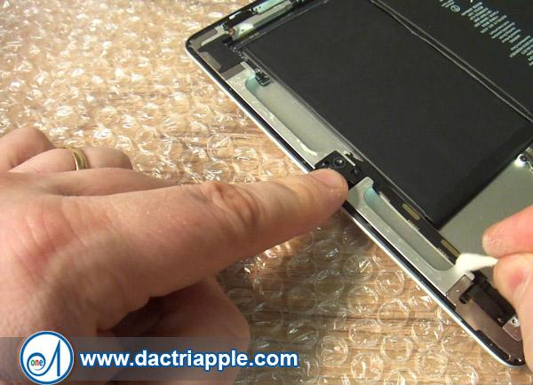 Thay pin iPad Mini 3 quận 9