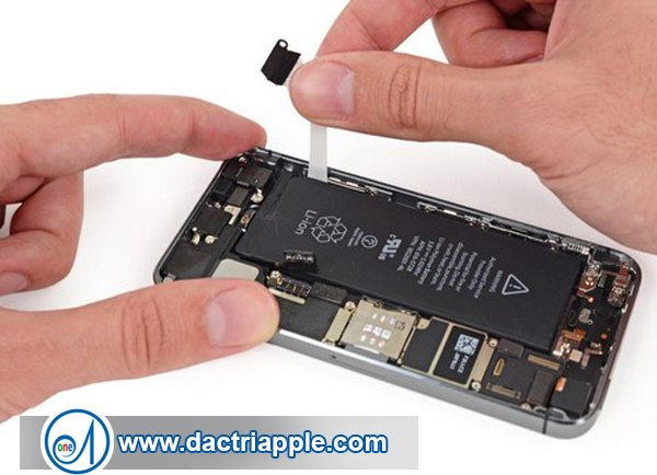 Thay pin iPhone 6 quận 4