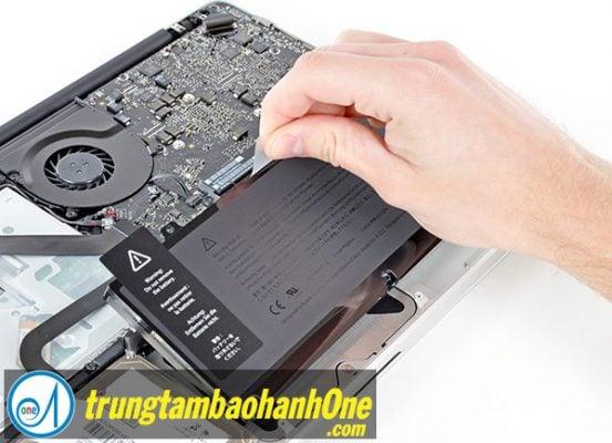 Thay pin Macbook Pro 2015