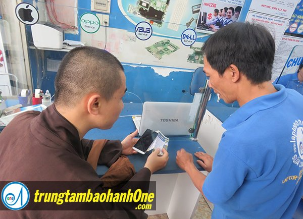 thay pin của iPhone 6 quận 12