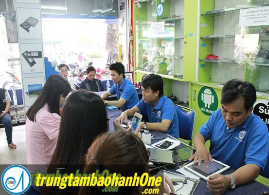 Thay pin Macbook Air 2011