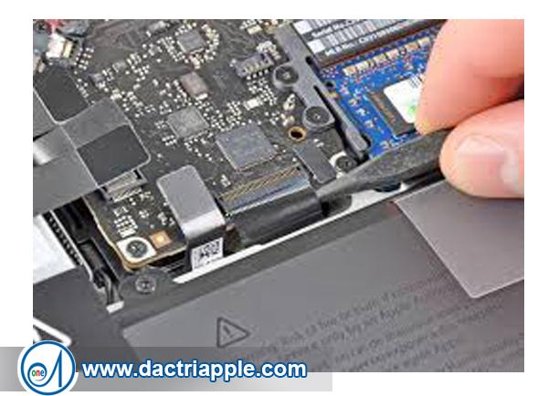 Trung tâm sửa chữa Macbook Air MD712