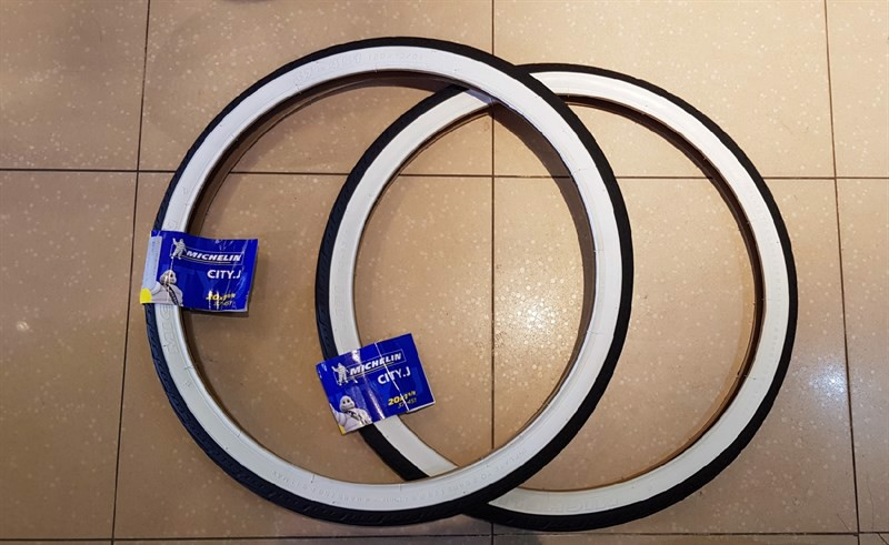 Lốp Michelin 20x1-3/8