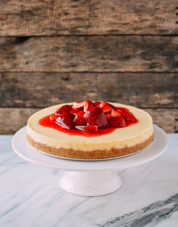 1487330921-148732100649558-strawberry-cheesecake-09-xahoi.com.vn-w600-h768