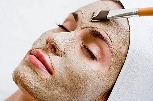 Chế biến kem dưỡng da từ bột cam thảo với mật ong