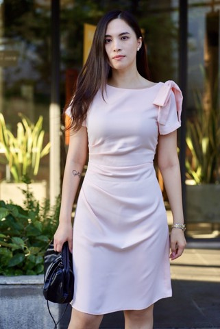 Đầm Hồng Xoắn Eo Nơ Vai - Pleated Waist Shoulder Bow Pink Dress